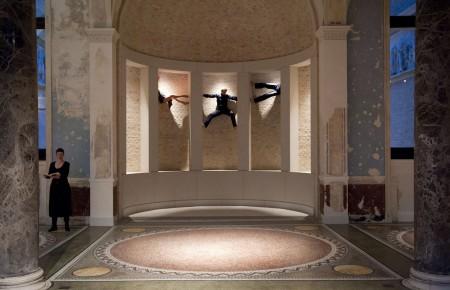 Dialoge 09 - Neues Museum (2009) Sasha Waltz (c) Seabstain Bolesch